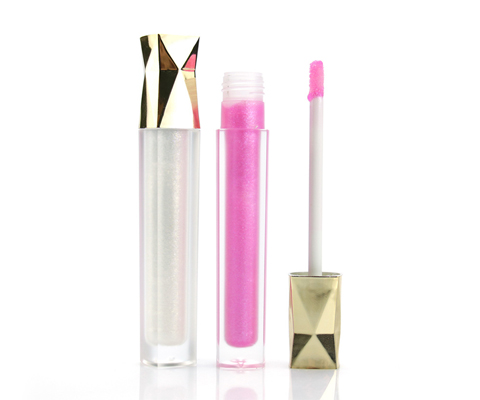 clear lip gloss featured