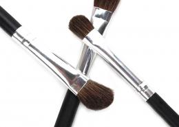 small eyeshadow brush
